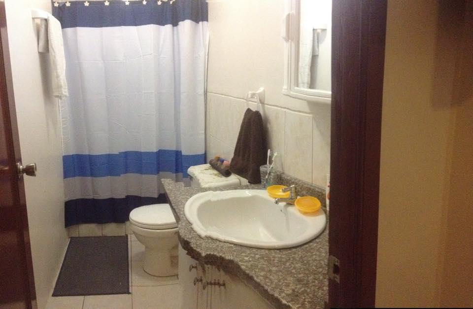 Casa de venta en guayaquil sector norte en ave francisco for Urbanizacion mucho lote 2 villa modelo