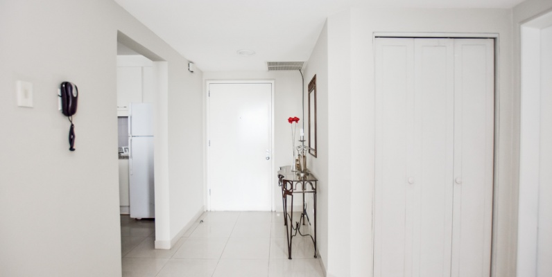 GeoBienes - Alquiler de suite amoblada en Torre Colón I, Guayaquil - Ecuador - Plusvalia Guayaquil Casas de venta y alquiler Inmobiliaria Ecuador