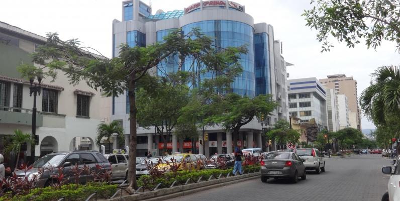 GeoBienes - Alquilo local comercial en 9 de Octubre y Av. Quito - Plusvalia Guayaquil Casas de venta y alquiler Inmobiliaria Ecuador