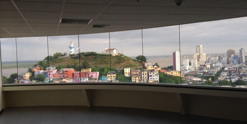 GeoBienes - Alquiler de oficina en The Point, Guayaquil. Oficina de 47m2 - Plusvalia Guayaquil Casas de venta y alquiler Inmobiliaria Ecuador
