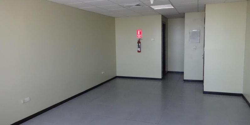 GeoBienes - Oficina en alquiler en el piso 30 en The Point, Guayaquil - Plusvalia Guayaquil Casas de venta y alquiler Inmobiliaria Ecuador