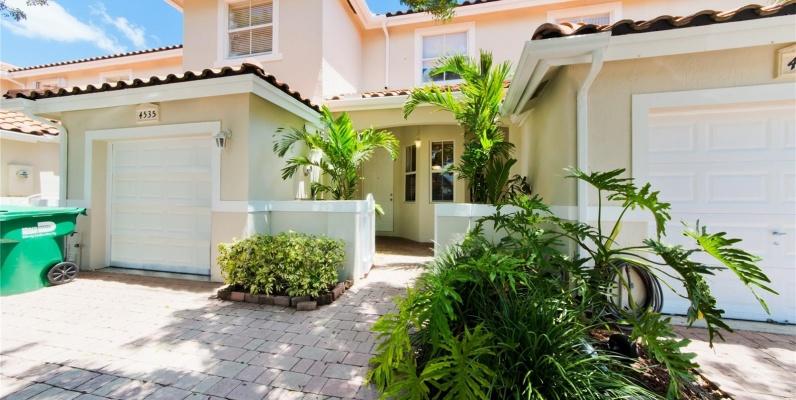 GeoBienes - Casa a la Venta en Miami, DORAL CHASE - Plusvalia Guayaquil Casas de venta y alquiler Inmobiliaria Ecuador