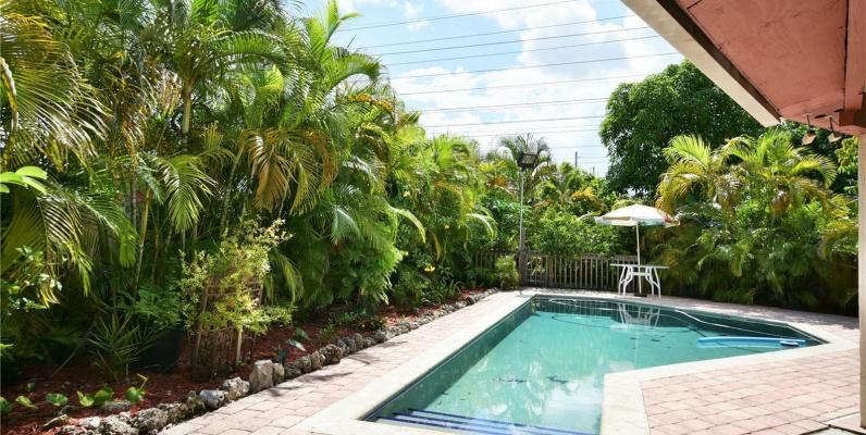 GeoBienes - Casa a la Venta en MIAMI, Tamiami Lakes - Plusvalia Guayaquil Casas de venta y alquiler Inmobiliaria Ecuador