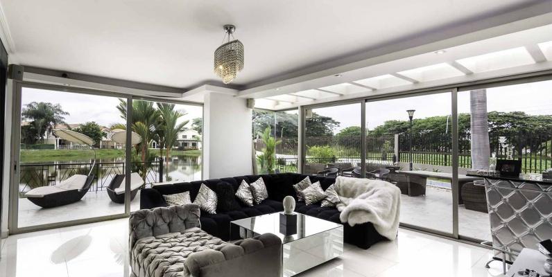 GeoBienes - Casa en Venta Ciudad Celeste, Etapa La Coralia, Vía a Samborondón - Plusvalia Guayaquil Casas de venta y alquiler Inmobiliaria Ecuador