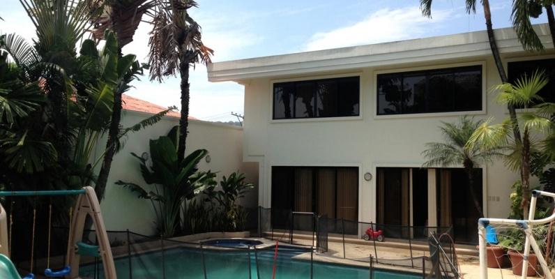 Casa en venta en la ciudadela los ceibos guayaquil geobienes for Casas con piscina guayaquil