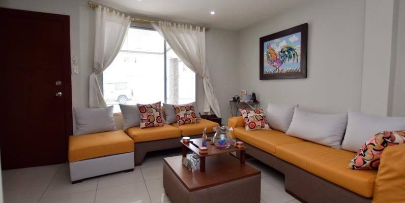 GeoBienes - Casa en venta en la Urbanización Castilla, Vía Samorondón - Plusvalia Guayaquil Casas de venta y alquiler Inmobiliaria Ecuador