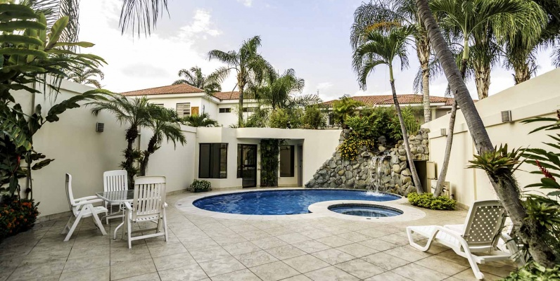 GeoBienes - Casa en Venta en Urb. Río Grande, Vía a Samborondón - Plusvalia Guayaquil Casas de venta y alquiler Inmobiliaria Ecuador