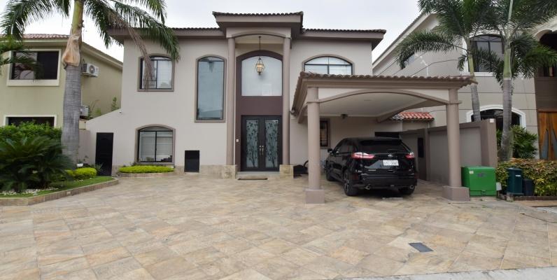 GeoBienes - Casa en venta en urbanización Estancias del Río - Plusvalia Guayaquil Casas de venta y alquiler Inmobiliaria Ecuador
