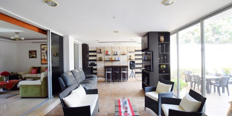 GeoBienes - Casa en venta ubicada en Vía Samborondón - Torres del Sol - Plusvalia Guayaquil Casas de venta y alquiler Inmobiliaria Ecuador