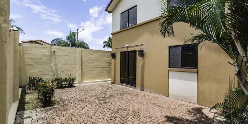 GeoBienes - Casa en venta Urb. Ciudad Celeste, Vía Samborondón  - Plusvalia Guayaquil Casas de venta y alquiler Inmobiliaria Ecuador