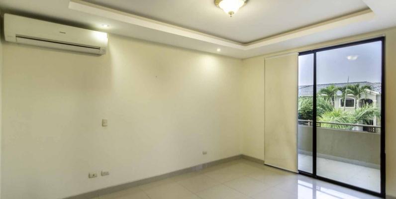 GeoBienes - Casa en venta Urb. Terrasol, Vía Samborondón  - Plusvalia Guayaquil Casas de venta y alquiler Inmobiliaria Ecuador