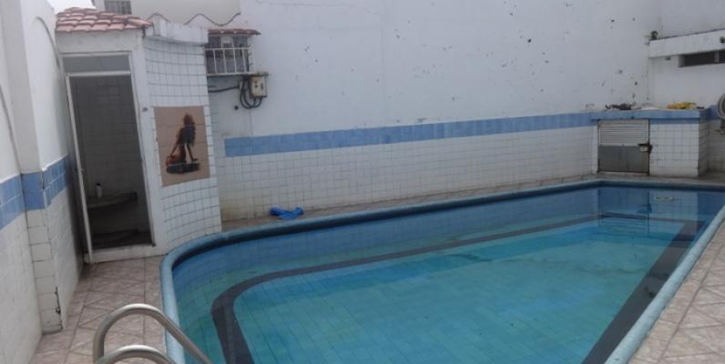 De oportunidad vendo casa con piscina en la alborada 11ava for Casas con piscina guayaquil