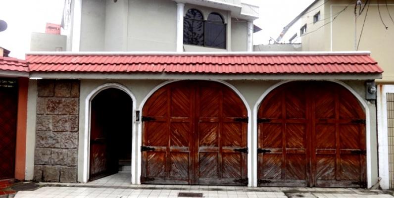 De Oportunidad Vendo Casa Con Piscina En La Alborada 11ava