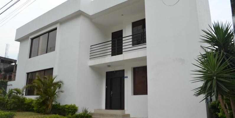 GeoBienes - Departamento en alquiler en Urbanización Parque de los Ceibos sector Ceibos - Plusvalia Guayaquil Casas de venta y alquiler Inmobiliaria Ecuador