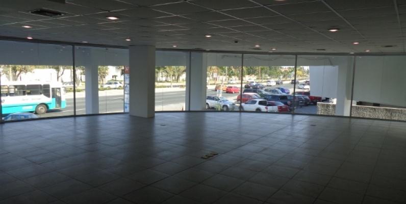 GeoBienes - Local en Alquiler Km 5 Avenida Principal Samborondon  - Plusvalia Guayaquil Casas de venta y alquiler Inmobiliaria Ecuador