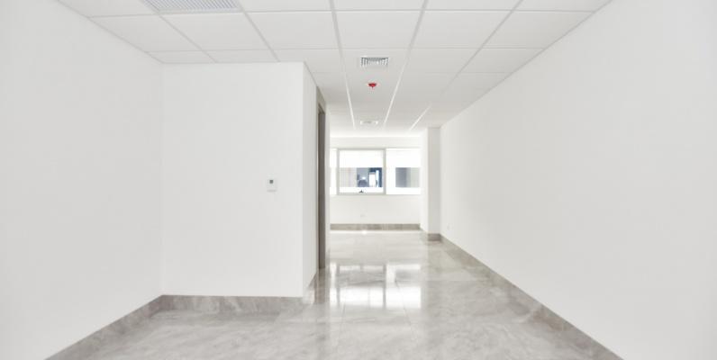 GeoBienes - Oficina de estreno en alquiler en Edificio Platinum Business Center I - Plusvalia Guayaquil Casas de venta y alquiler Inmobiliaria Ecuador
