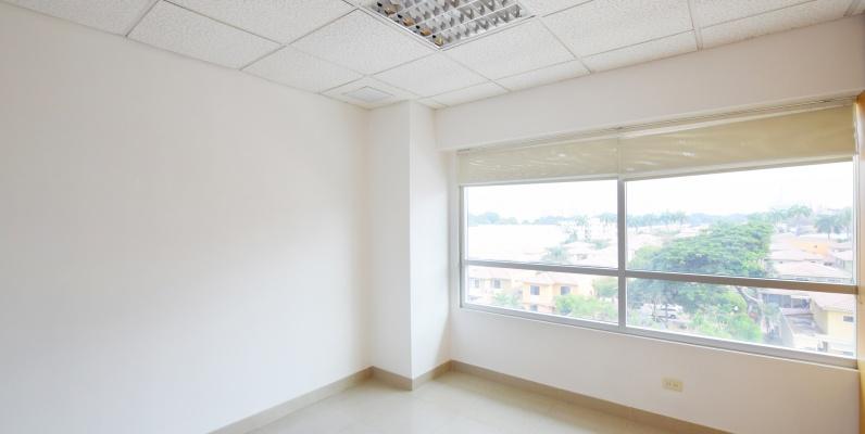 GeoBienes - Oficina en alquile en el Parque Empresarial Colón, Norte de Guayaquil - Plusvalia Guayaquil Casas de venta y alquiler Inmobiliaria Ecuador