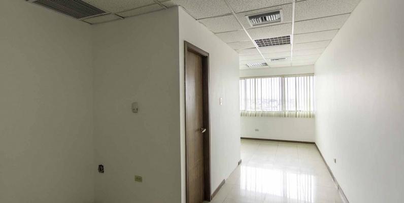 GeoBienes - Oficina en alquiler Edificio Trade Building, Norte de Guayaquil  - Plusvalia Guayaquil Casas de venta y alquiler Inmobiliaria Ecuador