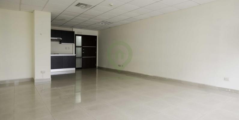 GeoBienes - Oficina en alquiler en Centro Empresarial Colón norte de Guayaquil - Plusvalia Guayaquil Casas de venta y alquiler Inmobiliaria Ecuador