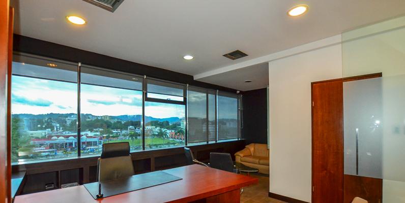 GeoBienes - Oficina en alquiler en Kennedy sector norte de Guayaquil - Plusvalia Guayaquil Casas de venta y alquiler Inmobiliaria Ecuador