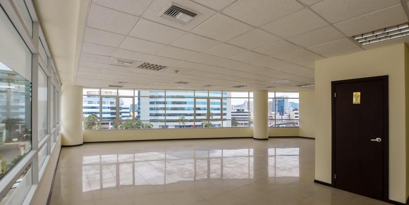 GeoBienes - Oficina en alquiler en Torres del Mall sector norte de Guayaquil - Plusvalia Guayaquil Casas de venta y alquiler Inmobiliaria Ecuador