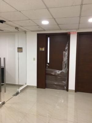 GeoBienes - Oficina en en alquiler en Edificio Samborondón Plaza Samborondón - Plusvalia Guayaquil Casas de venta y alquiler Inmobiliaria Ecuador