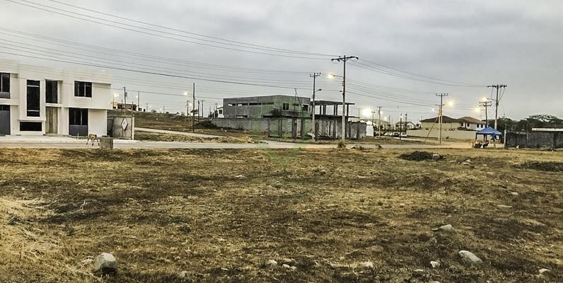GeoBienes - Terreno en venta en Urbanización El Condado vía a Samborondón - La Aurora - Plusvalia Guayaquil Casas de venta y alquiler Inmobiliaria Ecuador