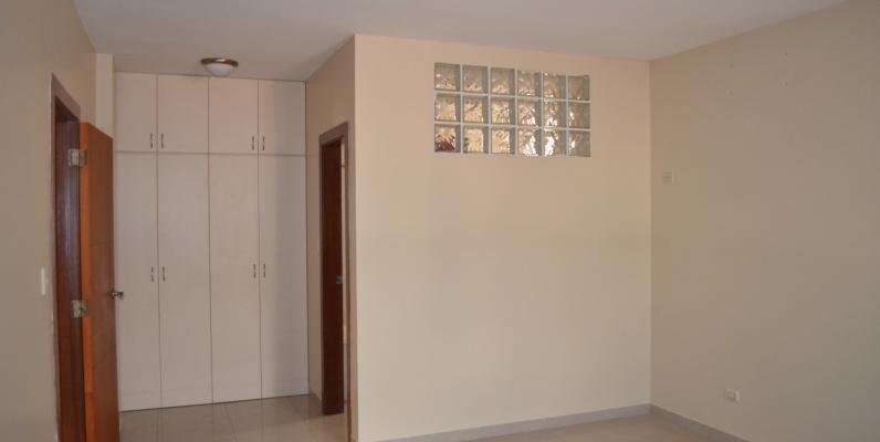 GeoBienes - Townhouse en alquiler en Urbanización Ciudad Colón  - Plusvalia Guayaquil Casas de venta y alquiler Inmobiliaria Ecuador