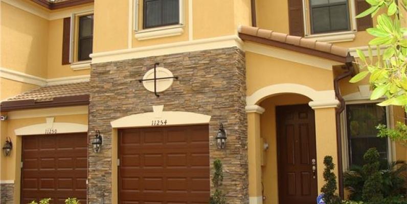 GeoBienes - Townhouse en Venta- Monaco at DORAL - Plusvalia Guayaquil Casas de venta y alquiler Inmobiliaria Ecuador