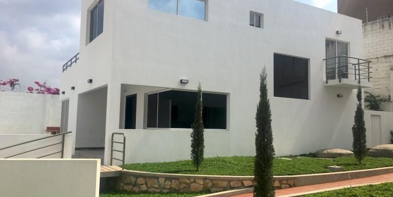 GeoBienes - Casa en venta en Las Cumbres, sector Los Ceibos, Guayaquil - Plusvalia Guayaquil Casas de venta y alquiler Inmobiliaria Ecuador