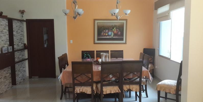 GeoBienes - Casa en venta en urbanización Vista Sol Samborondon - Plusvalia Guayaquil Casas de venta y alquiler Inmobiliaria Ecuador