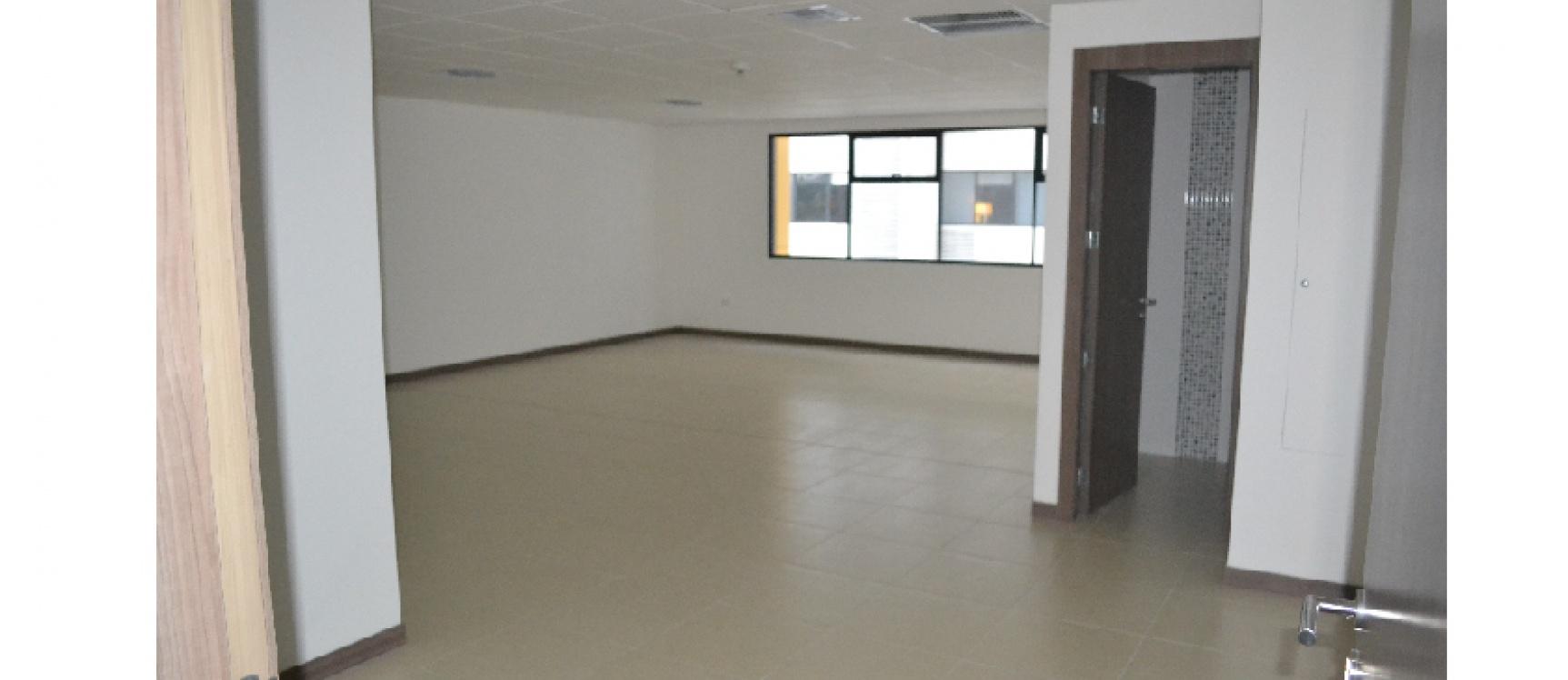GeoBienes - Alquiler de oficina en Ciudad del Rio, Emporium Guayaquil - Plusvalia Guayaquil Casas de venta y alquiler Inmobiliaria Ecuador