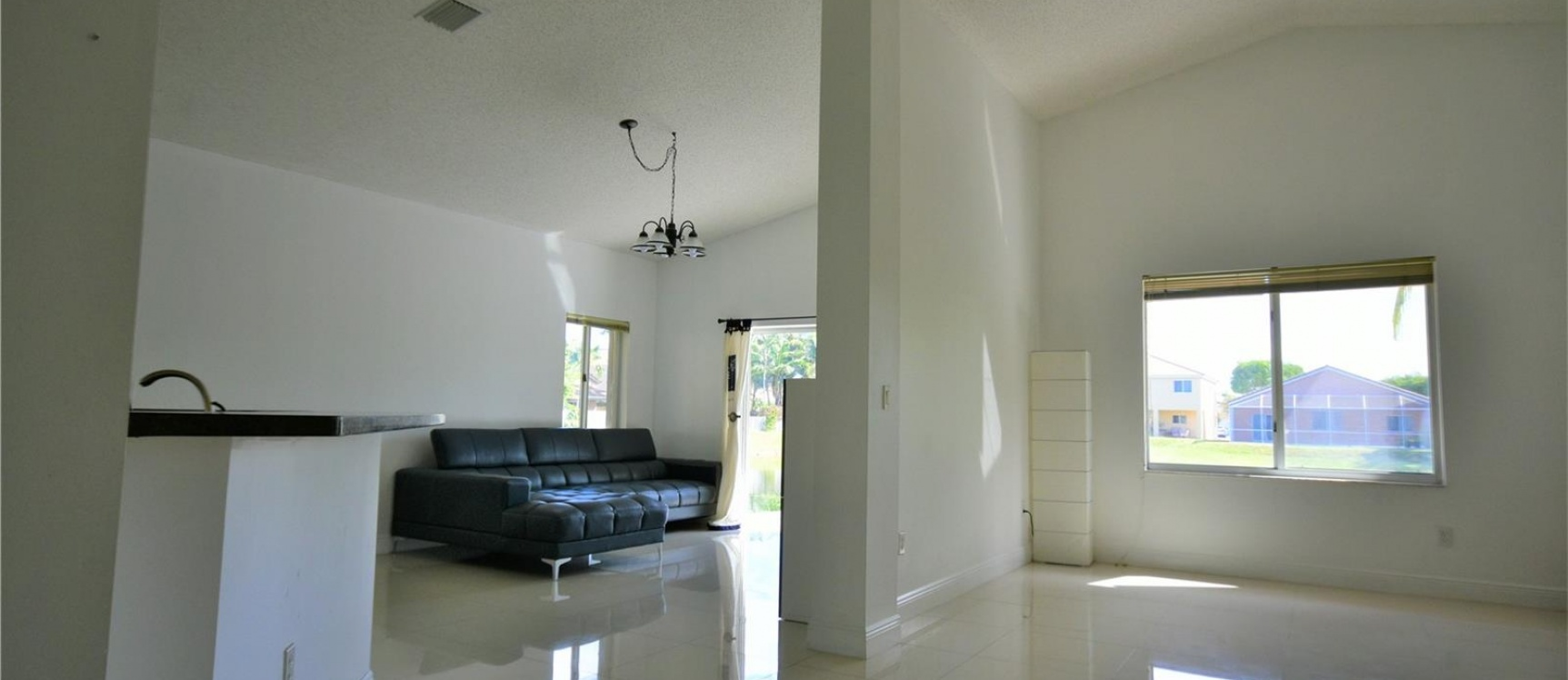 GeoBienes - Casa a la Venta en Miami - Doral Gardens - Plusvalia Guayaquil Casas de venta y alquiler Inmobiliaria Ecuador