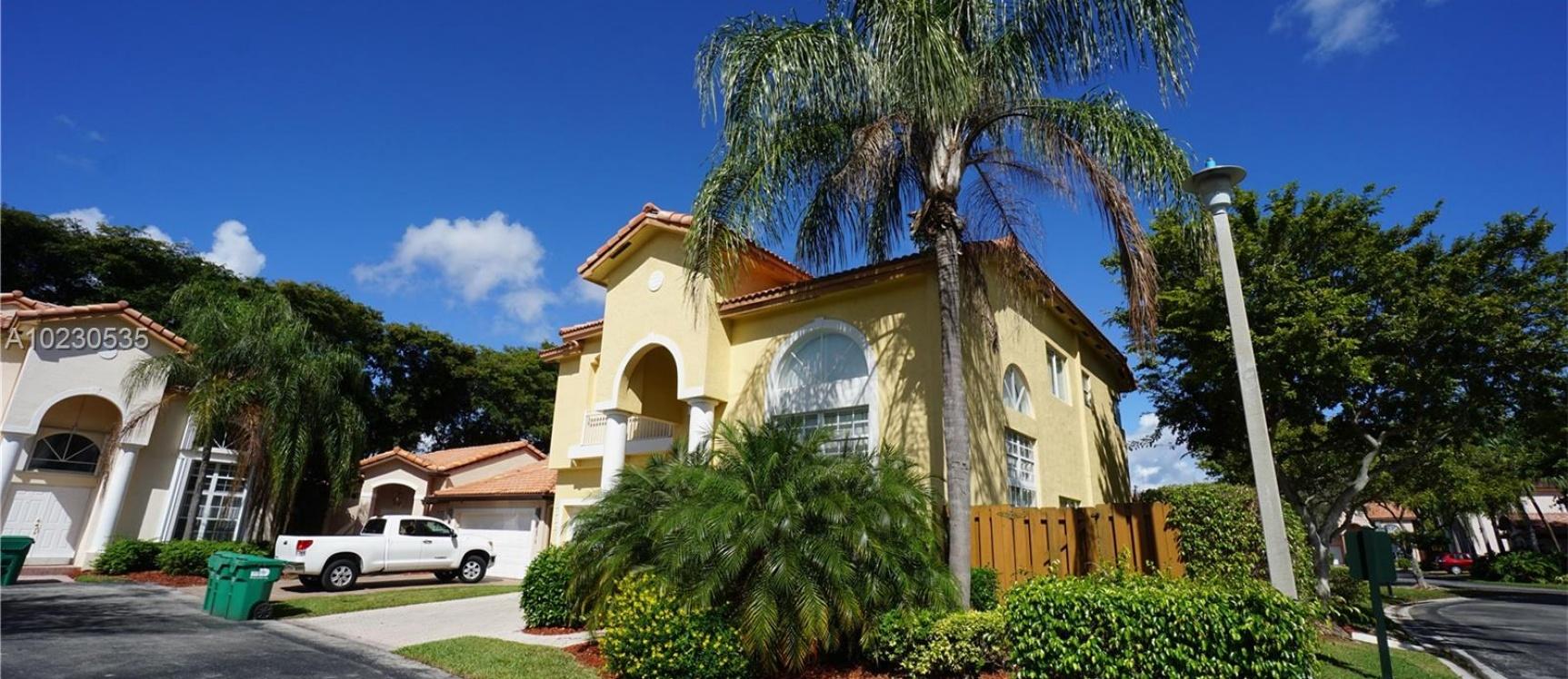 GeoBienes - Casa a la Venta en Miami - DORAL ISLES CAYMAN - Plusvalia Guayaquil Casas de venta y alquiler Inmobiliaria Ecuador