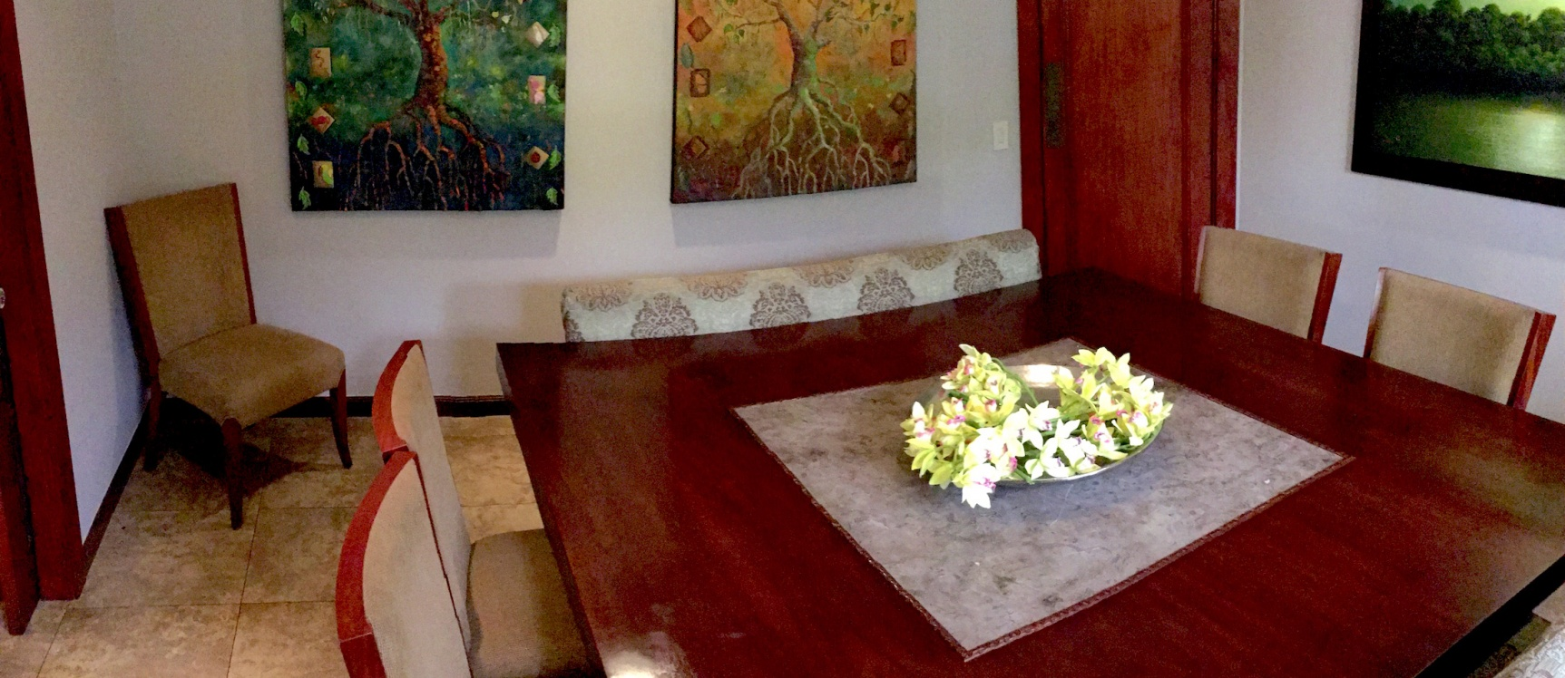 GeoBienes - Casa de venta en el Km 5.5 vía Samborondón. Exclusiva Urbanización - Plusvalia Guayaquil Casas de venta y alquiler Inmobiliaria Ecuador
