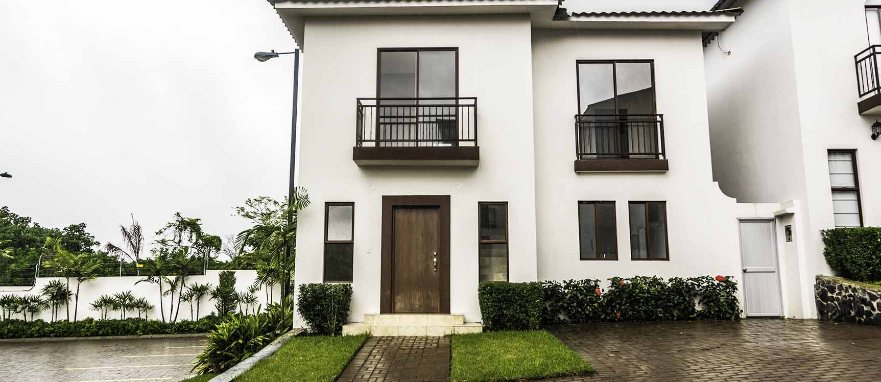 GeoBienes - Casa en Venta Urb. Villas del Bosque - Vía a La Costa - Plusvalia Guayaquil Casas de venta y alquiler Inmobiliaria Ecuador