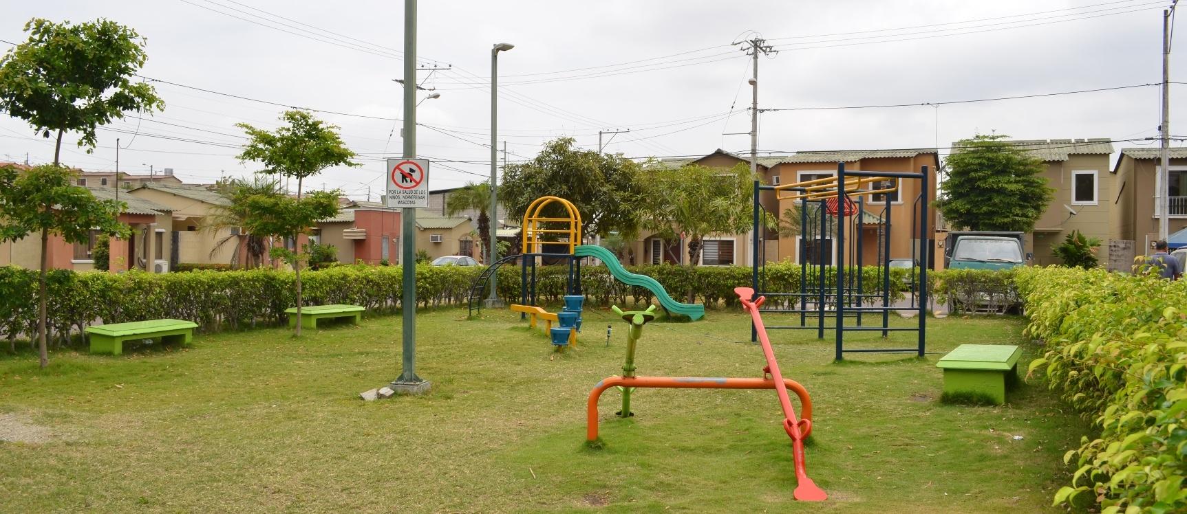 GeoBienes - Casa en Venta Urbanización  La Joya Etapa Esmeralda - Plusvalia Guayaquil Casas de venta y alquiler Inmobiliaria Ecuador