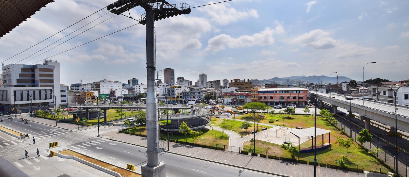 GeoBienes - Local Comercial en alquiler ubicado en el Centro de Guayaquil - Plusvalia Guayaquil Casas de venta y alquiler Inmobiliaria Ecuador