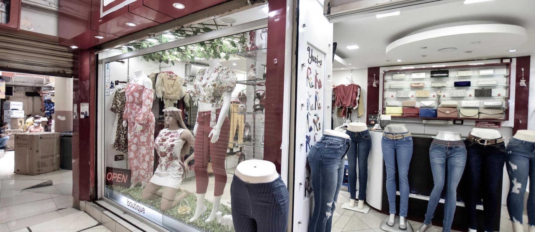 GeoBienes - Local Comercial en venta ubicado en Av. Malecón y Olmedo - Plusvalia Guayaquil Casas de venta y alquiler Inmobiliaria Ecuador