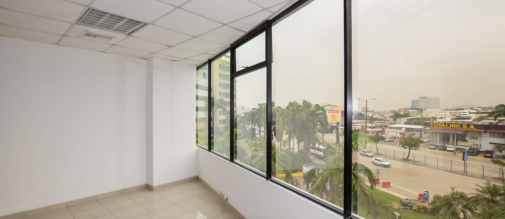 GeoBienes - Oficina en alquiler en Edificio Executive Center sector norte de Guayaquil - Plusvalia Guayaquil Casas de venta y alquiler Inmobiliaria Ecuador