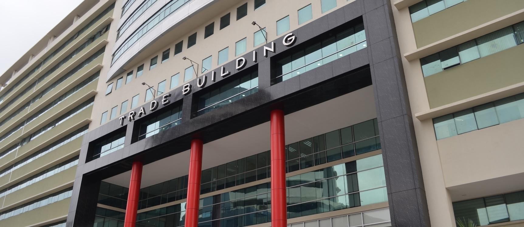 GeoBienes - Oficina en alquiler en Edificio Trade Building sector Norte - Plusvalia Guayaquil Casas de venta y alquiler Inmobiliaria Ecuador