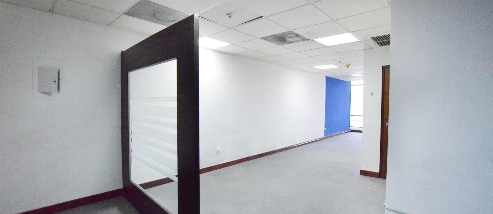 GeoBienes - Oficina en alquiler en el Edificio World Trade Center, Norte de Guayaquil - Plusvalia Guayaquil Casas de venta y alquiler Inmobiliaria Ecuador