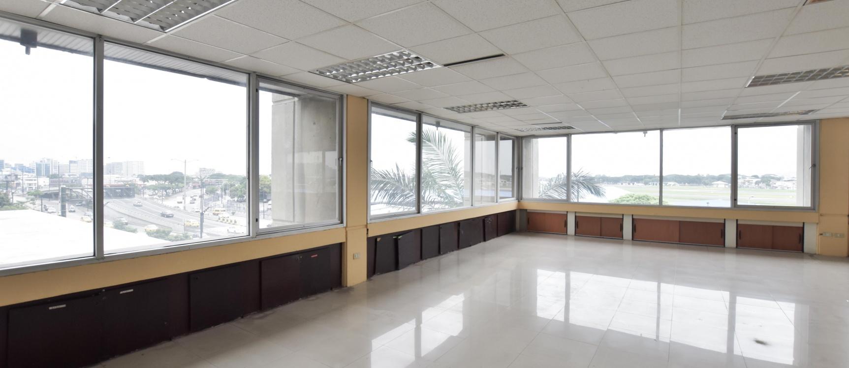 GeoBienes - Oficina en alquiler ubicada en el Edificio Mecanos - Plusvalia Guayaquil Casas de venta y alquiler Inmobiliaria Ecuador