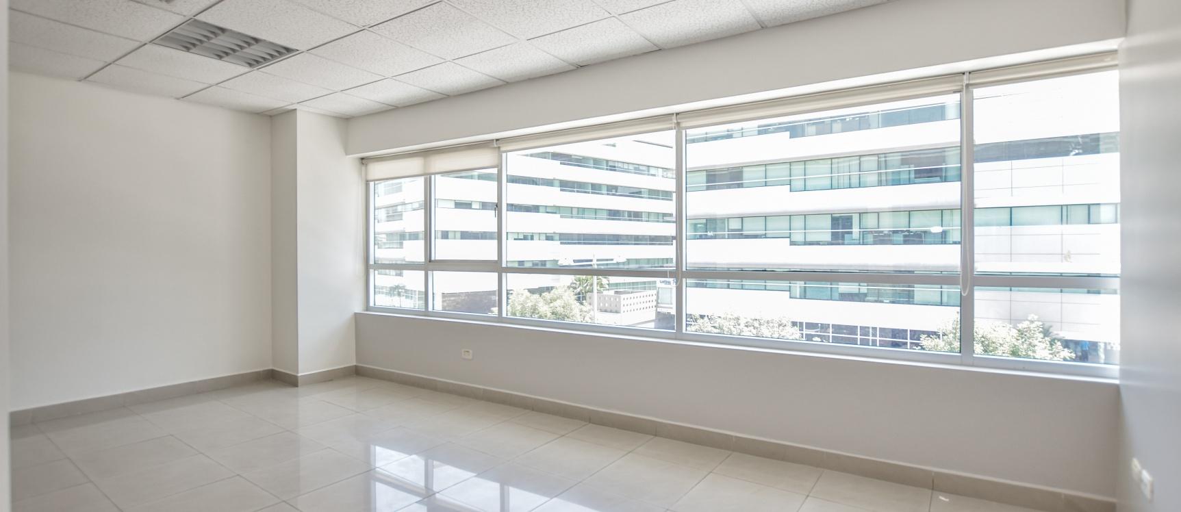 GeoBienes - Oficina en alquiler ubicada en el Parque Empresarial Colón - Plusvalia Guayaquil Casas de venta y alquiler Inmobiliaria Ecuador