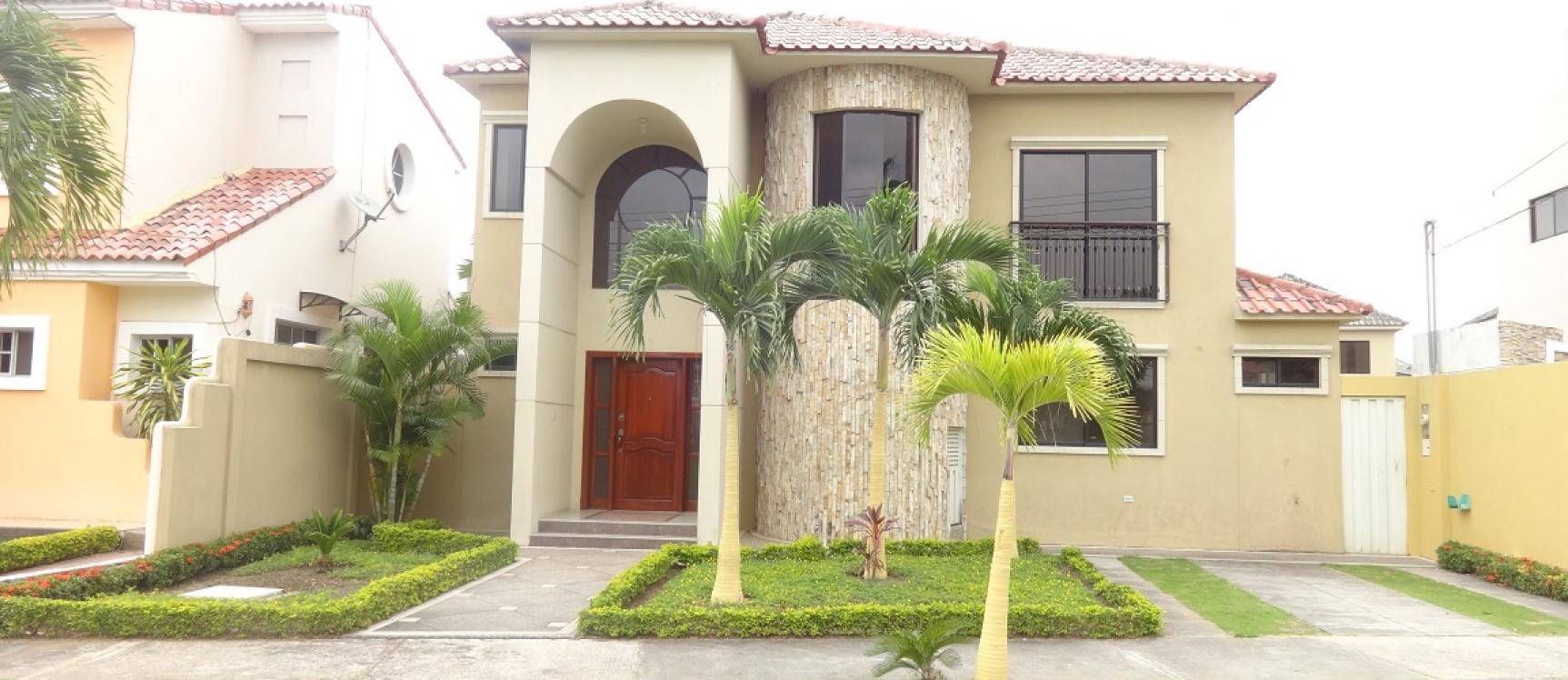Samborondon casa en alquiler en santa maria de casa grande for Casas con piscina guayaquil