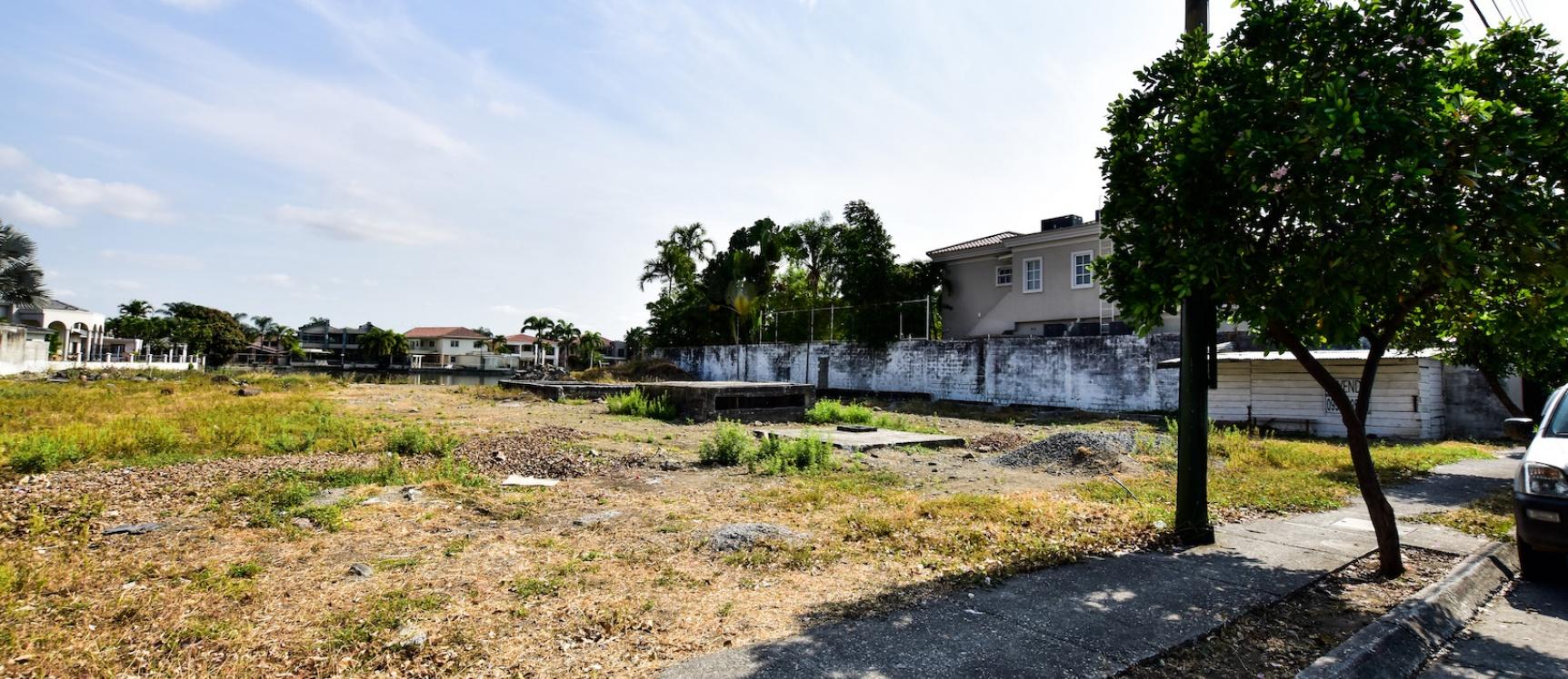 GeoBienes - Terreno en venta en la Urbanización El Rio - Plusvalia Guayaquil Casas de venta y alquiler Inmobiliaria Ecuador
