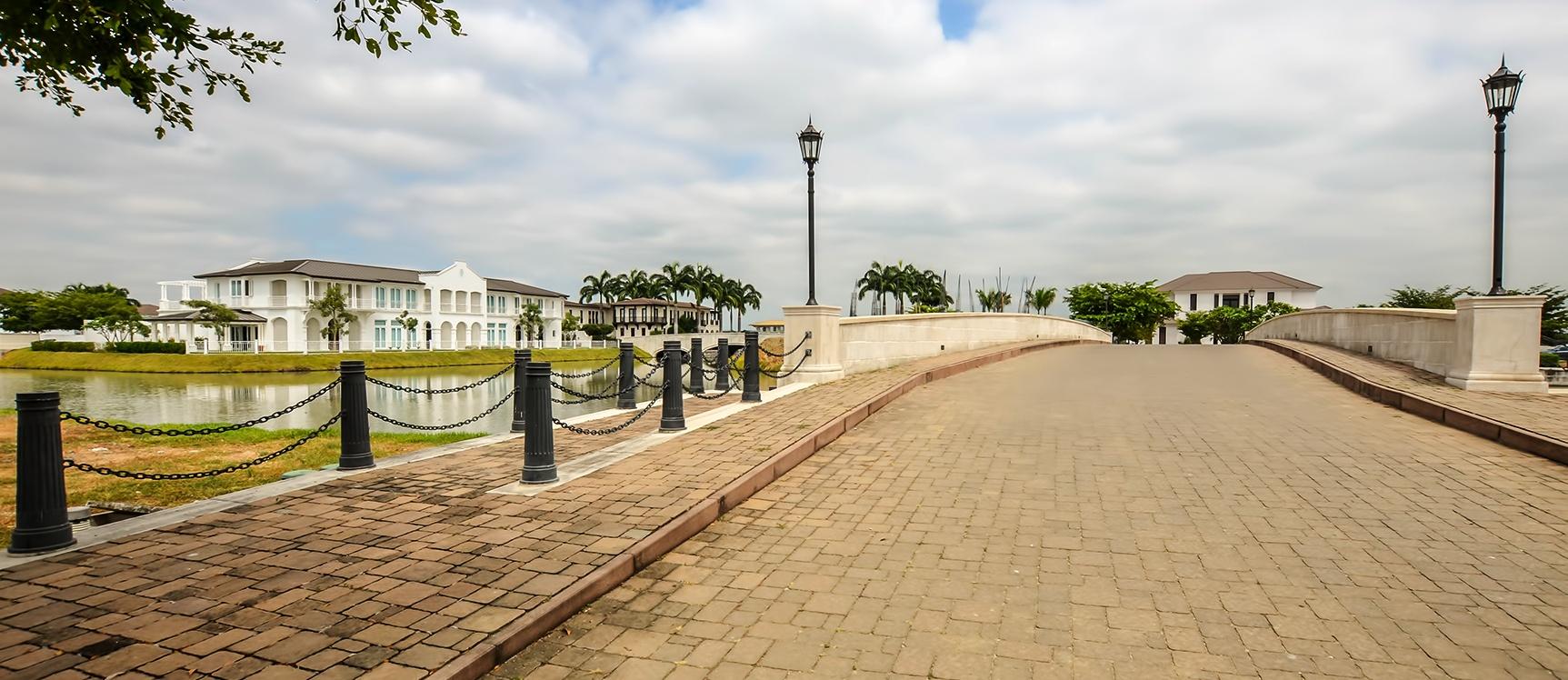 GeoBienes - Terreno en venta en Ríolago sector Vía Samborondón - Plusvalia Guayaquil Casas de venta y alquiler Inmobiliaria Ecuador