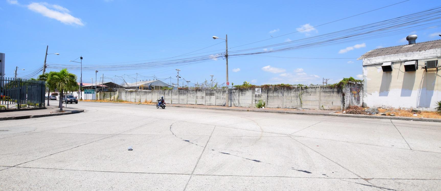 GeoBienes - Terreno en venta ubicado en La Atarazana, Norte de Guayaquil - Plusvalia Guayaquil Casas de venta y alquiler Inmobiliaria Ecuador
