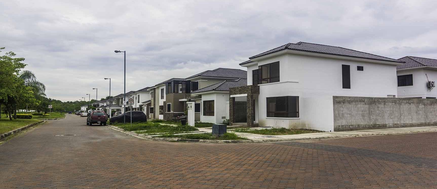 GeoBienes - Terreno en Venta Urbanización Punta Esmeraldas, Vía a La Costa - Plusvalia Guayaquil Casas de venta y alquiler Inmobiliaria Ecuador