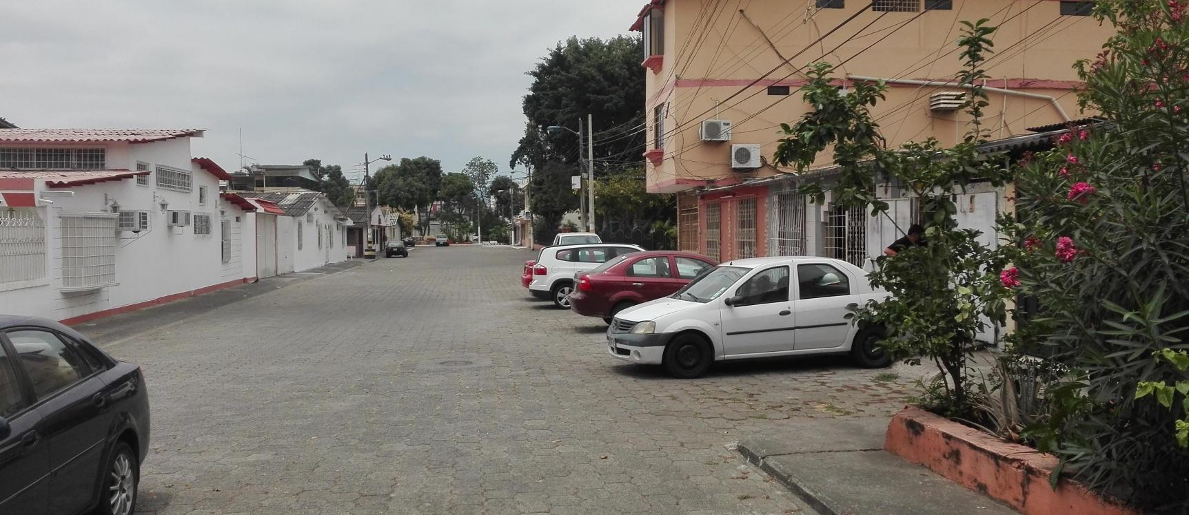 GeoBienes - Vendo casa en Alborada, con suite adicional - Plusvalia Guayaquil Casas de venta y alquiler Inmobiliaria Ecuador